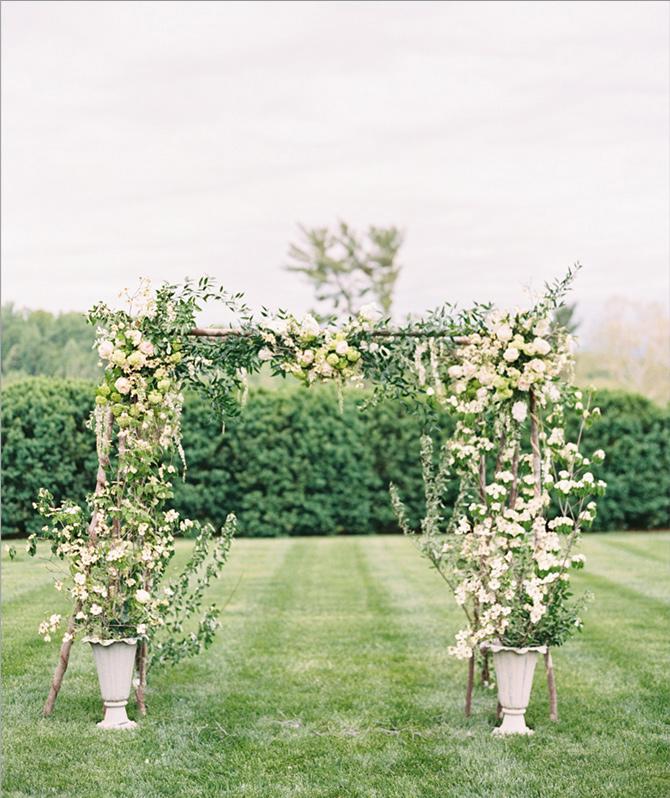 outdoor floral arrangements for wedding