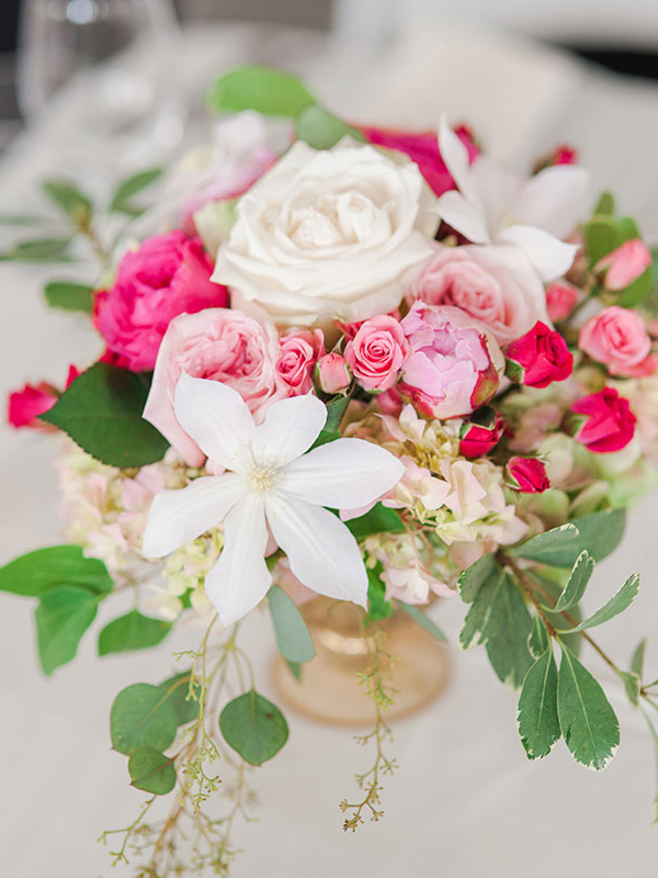 Blue-Ridge-Floral-Wedding-Arrangement