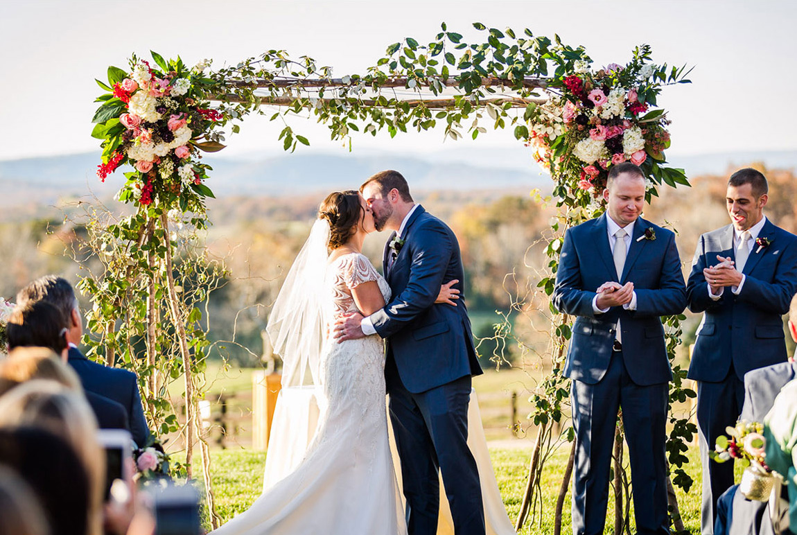 wedding flowers at King Family Vineyards