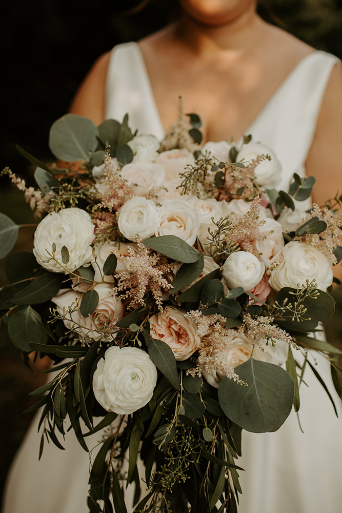 vineyard wedding bridal bouquet romantic