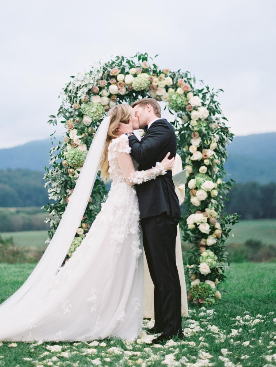 wedding-flowers-arch-for-ceremony