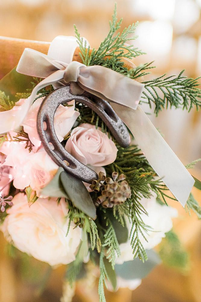 floral-arrangement-wedding-king-family-vineyards